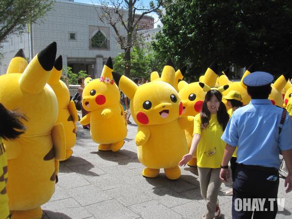 Những chú Pikachu nhảy cực dễ thương tại Lễ hội pikachu