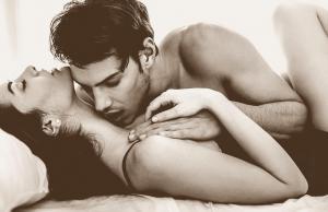 9 kiểu hôn khiến phụ nữ thấy phát khiếp