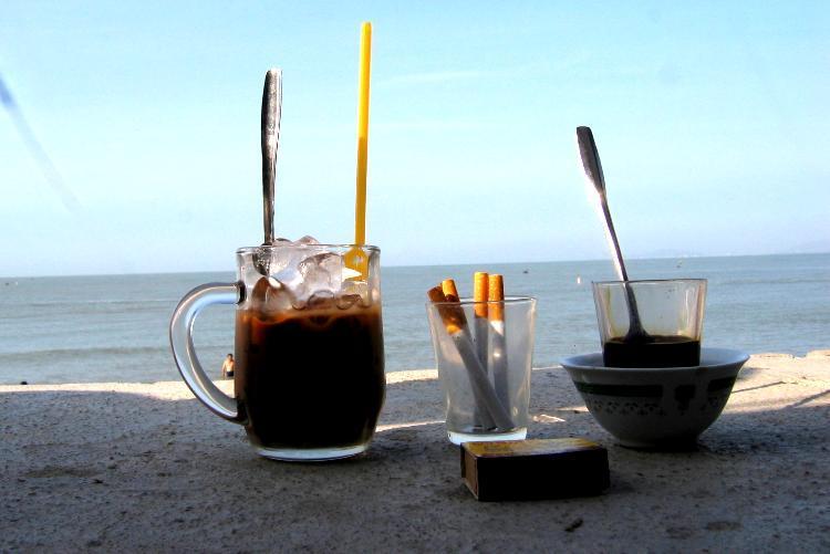 uống cà phê sáng giúp sống lâu