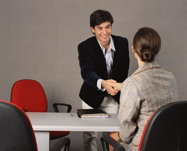 Kỹ năng tìm việc là hãy để nhà tuyển dụng chủ động liên hệ