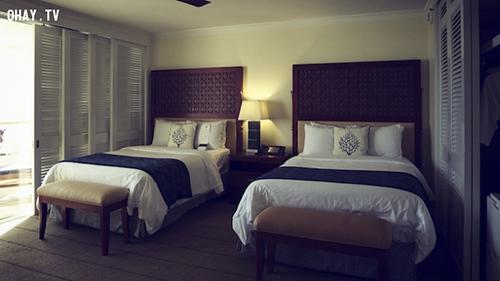 Bí mật những chiếc giường khách sạn