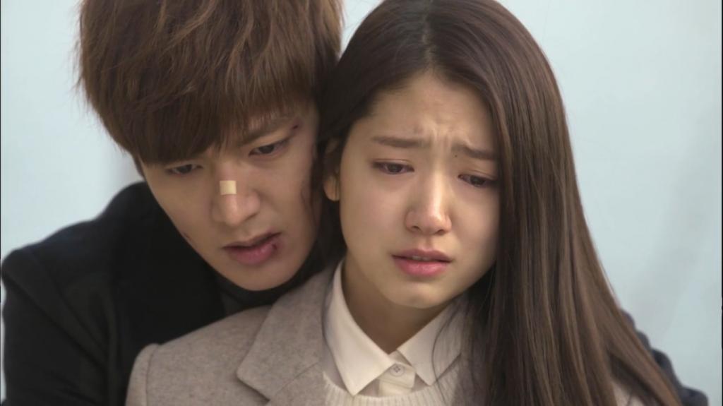 """Những cảnh \""""back hug\"""" đáng nhớ nhất trong phim Hàn"""