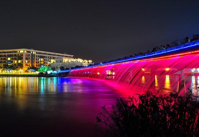 Cầu Ánh Sao lãng mạng về đêm