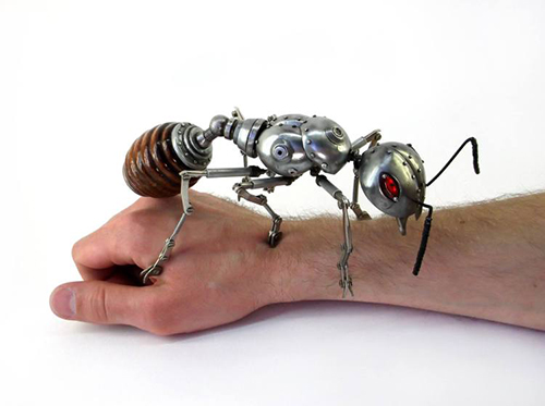 Những mô hình động vật bằng kim loại được lắp ráp rất cầu kì