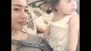 Bé con của Elly Trần dễ thương quá