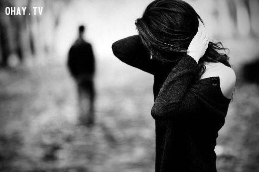 cô gái buồn vì chia tay