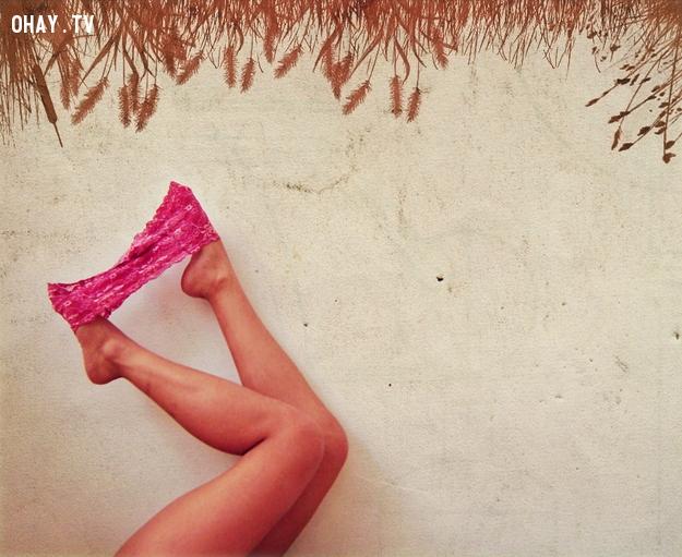 """Mặc đồ lót màu hồng để quyến rũ """"tình yêu"""""""