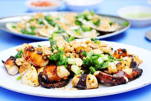 10 phố ẩm thực nổi tiếng của Sài Gòn