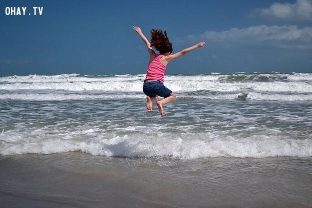 nhảy trên sóng