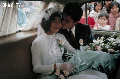 Niềm hạnh phúc của cặp đôi trẻ Hà Nội qua ống kính nhiếp ảnh gia người Mỹ - Advid Alan Harvey.