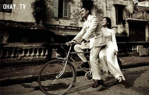 Những năm thập niên 80, đời sống người dân còn nhiều khó khăn. Vậy nên, một đám cưới đơn giản ít tốn kém luôn là sự lựa chọn hàng đầu.