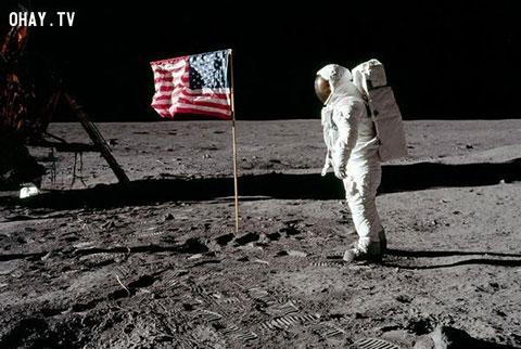 Mỹ đưa người lên mặt trăng - trò bịp hay sự thật?