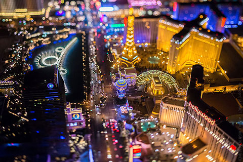 Las Vegas từ độ cao 10,800 feet lung linh huyền ảo