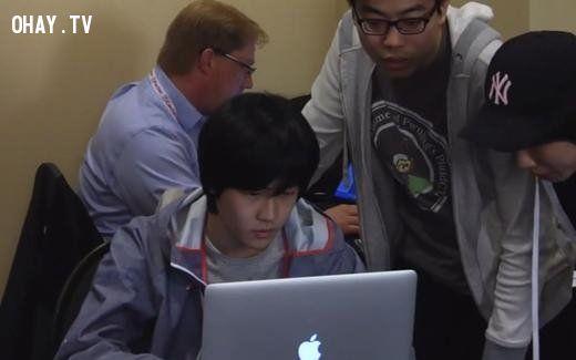 ảnh hacker,kiếm tiền,hacker mũ trắng,thi hack,bảo mật