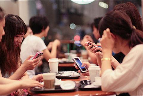 14 điều bạn sẽ đánh mất khi cứ mãi đắm mình vào điện thoại