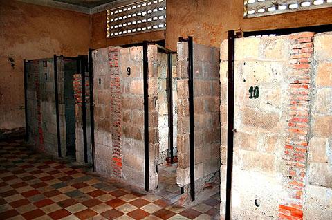 Bí ẩn nhà tù Toul Sleng