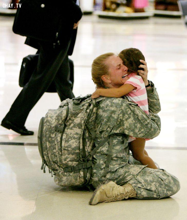ảnh cảm động,hình ảnh,hình ảnh ý nghĩa,chiến tranh,tình người