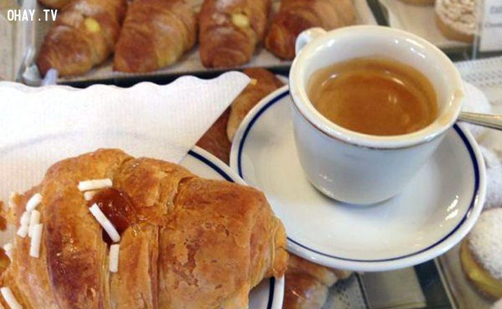 ảnh quán cà phê,Milan,Italia,cà phê ở milan,phong cách ý