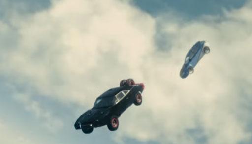 Nghẹt thở với trích đoạn phim đầu tiên của Fast & Furious 2015
