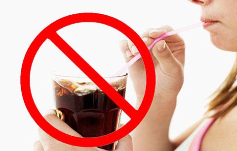 13 tác hại khi uống đồ uống, nước ngọt có ga