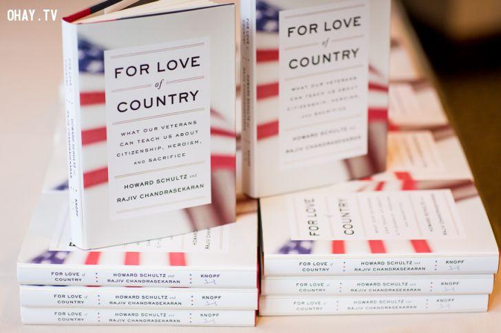 ảnh Starbucks,Howard Schultz,Rajiv Chandrasekaran,For Love of Country