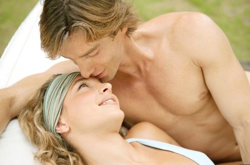 ảnh bạn đời,người yêu,lừa dối,phản bội,dấu hiệu,biểu hiện lừa dối,tình yêu