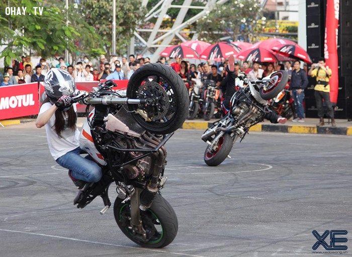 ảnh stunt,Sarah Lezito,biểu diễn moto,thể thao mạo hiểm,Ogawa,Motul Stunt Fest 2015