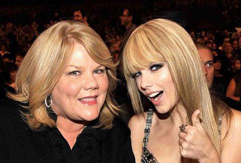 Taylor Swift tiết lộ về việc mẹ của cô bị ung thư
