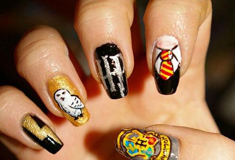 Những mẫu nail tuyệt đẹp lấy ý tưởng từ các nhân vật hoạt hình, phim ảnh và đồ ăn
