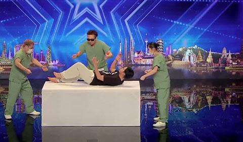 """Điệu nhảy Robot \""""Xác Chết\"""" siêu độc tai Asia\'s Got Talent 2015"""
