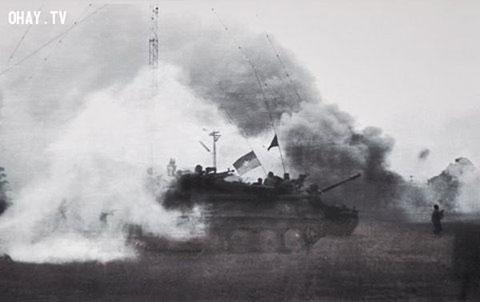 Bộ ảnh ngày hoàn toàn giải phóng Miền Nam lịch sử!
