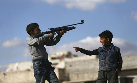 Chạnh lòng về cuộc sống trẻ em nơi chiến tranh