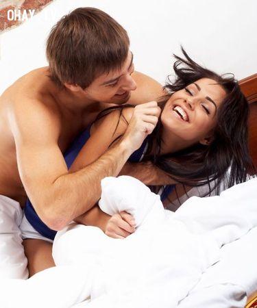 ảnh vợ chồng,kết hôn,khó xử,xấu hổ