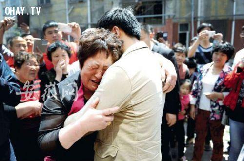 ảnh Bắt cóc,tìm con,gia đình,cha mẹ,tình cảm gia đình,đoàn tụ,hạnh phúc,Trung Quốc,An Huy