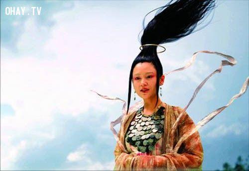 Suối tóc này của Trần Hồng trong Vô Cực cũng đã bắt mất hồn các anh hùng thời xưa.