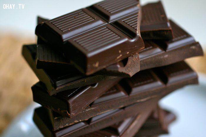 Dập tắt cơn khát đồ ngọt của bạn bằng những mẩu chocolate đen