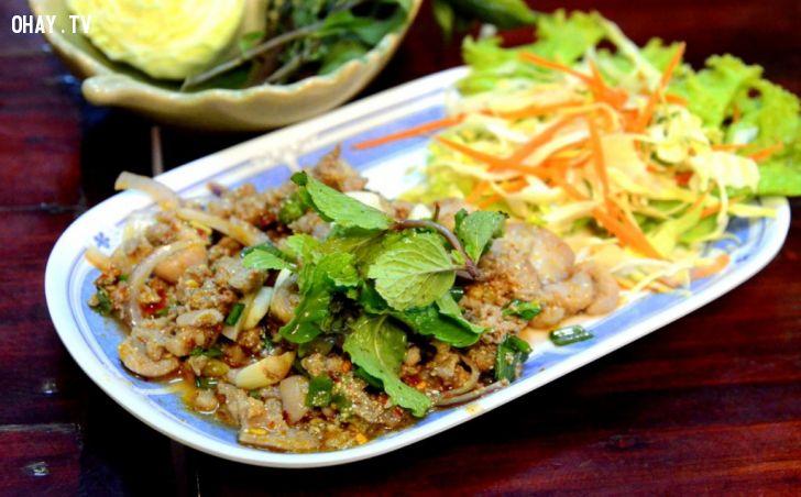 Lap- món ăn truyền thống ngày Tết của người Lào (nguồn: .travelsense.asia)