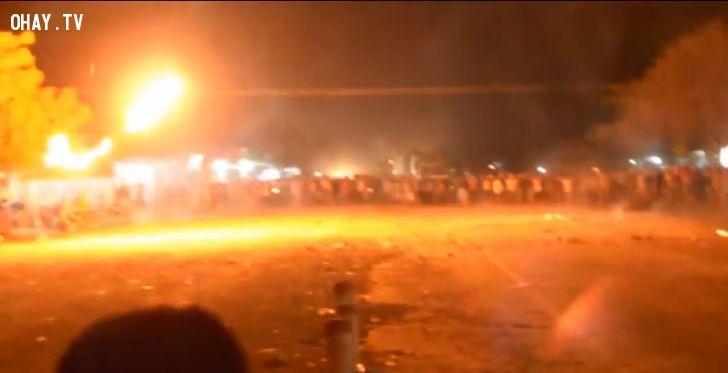 ảnh biểu tình ở bình thuận,nhà máy nhiệt điện Vĩng Tân 2,biểu tình