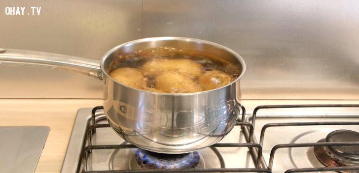 ảnh mẹo hay,mẹo nhà bếp,mẹo lột vỏ khoai tây,mẹo gọt khoai tây
