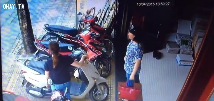 ảnh trộm xe máy,trộm xe,bẻ khóa lead