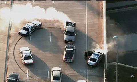 Gần 10 xe cảnh sát truy bắt nữ quái xế