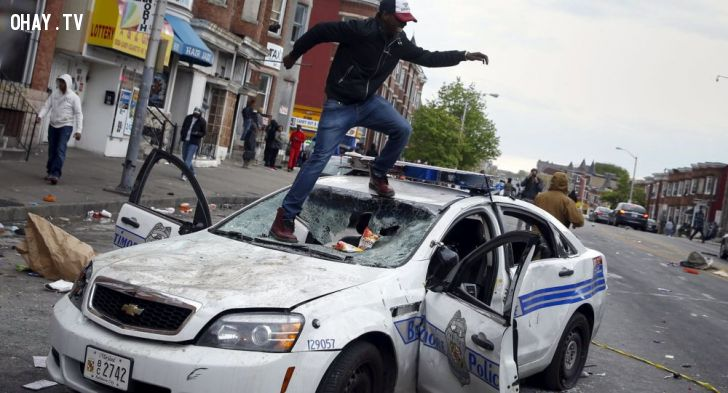 ảnh biểu tình,biểu tình baltimore,bạo loạn,sinh viên biểu tình