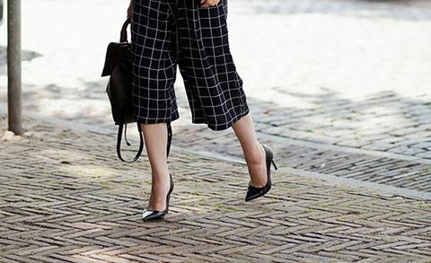 20 gợi ý mặc quần ống rộng đẹp cho mọi dáng người
