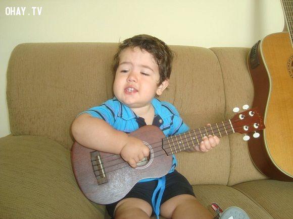 ảnh em bé,em bé dễ thương,em bé hát dễ thương,video em bé hát,cậu bé Diego Mello