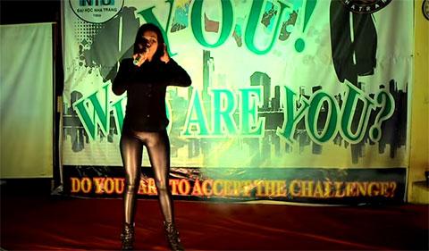 Nữ sinh ĐH Nha Trang hát nhạc phim Tây Du Ký gây sốt