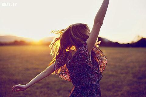 8 khẩu hiệu giúp các cô gái mạnh mẽ và hạnh phúc hơn
