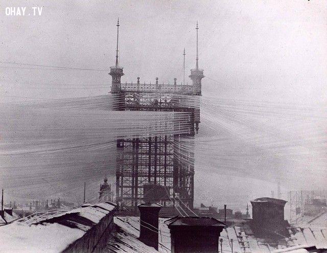 Tháp viễn thông tại Stockholm với hơn 5000 đường dây điện thoại.