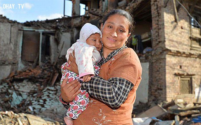 ảnh Nepal,động đất nepal,điều kỳ diệu,trẻ em,thảm kịch,em bé 4 tháng tuổi
