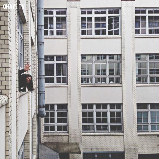 """Ảnh: """"Ô xin chào"""", tại studio EyeEm, Berlin, Đức"""