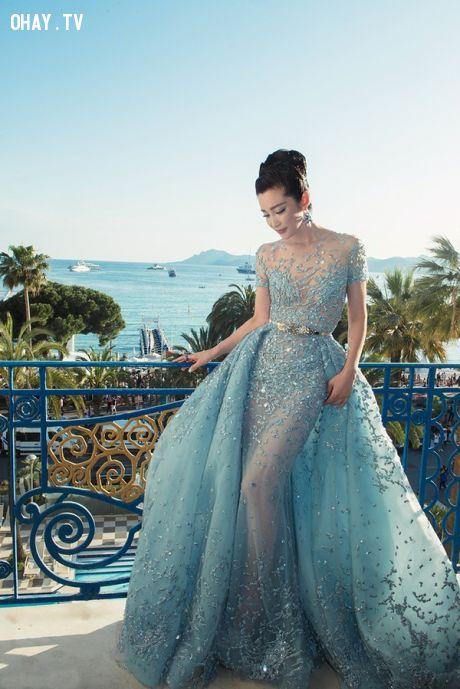 Điểm lại những bộ đầm lộng lẫy nhất trên thảm đỏ Cannes 68